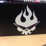 Fight the Digipack!  Open it up to see the Gurren Logo (slightly apart when opened but stand it up and get this)