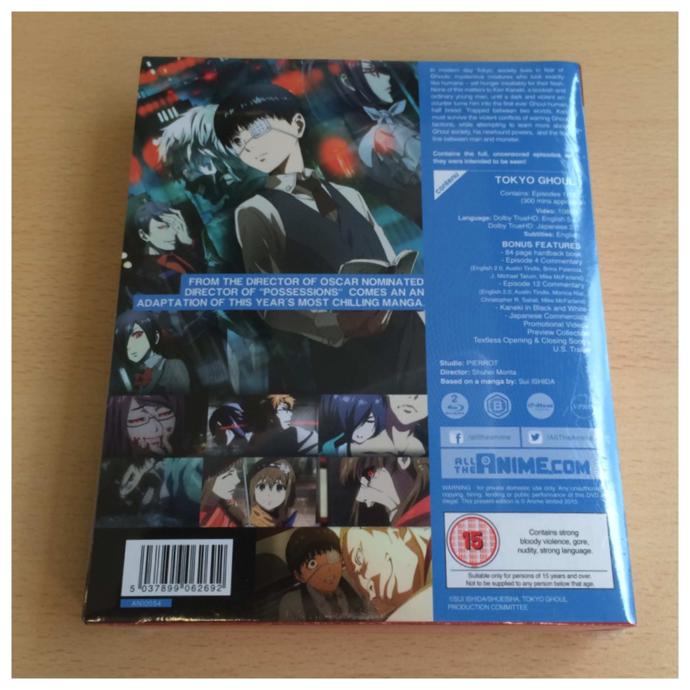 The back of the set. NOTE: The information displayed is on a separate piece of card under the plastic wrap, not on the actual box itself.